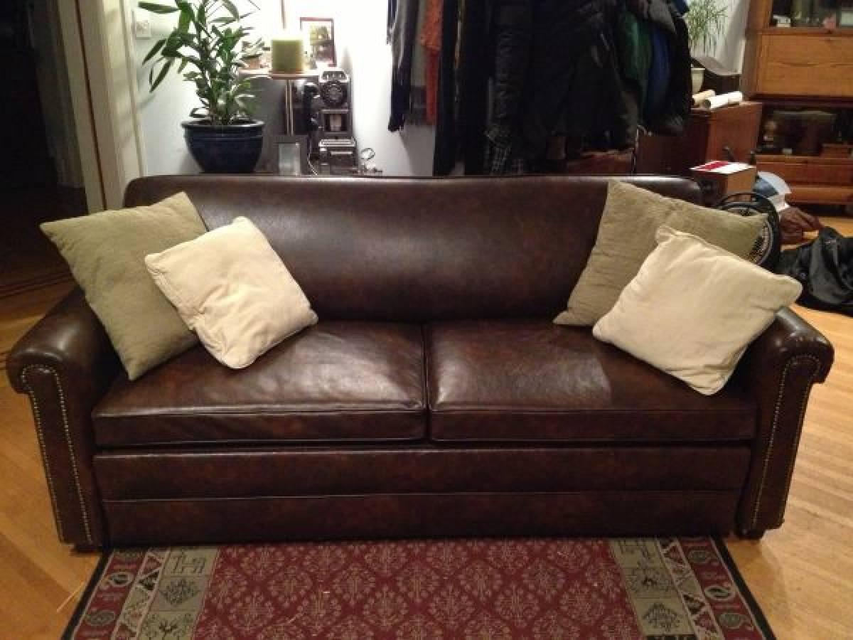10 storie di annunci online che vi faranno venire la pelle for Comprare un divano online
