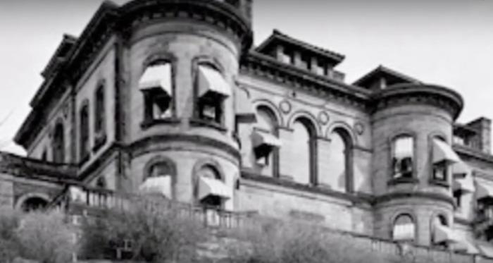 congelier-mansion